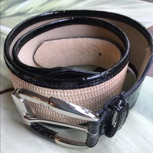 WHITE HOUSE BLACK MARKET BLACK & STRAW LIKE BELT L